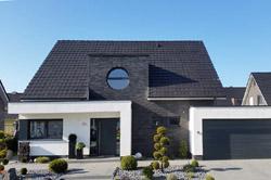 Modernes Satteldachhaus h w holzbau zimmerei bedachung terrassenüberdachung sanierung